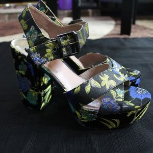 Circus by Sam Edelman embroidered platforms